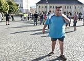 Jsme národ, hlásí Romové. Odpověd: Založte si stát a starejte se
