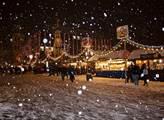 V Praze a dalších městech se slavnostně rozsvítí vánoční stromy