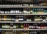 Lihoviny a cigarety zdraží, prezident Zeman podepsal zvýšení daní