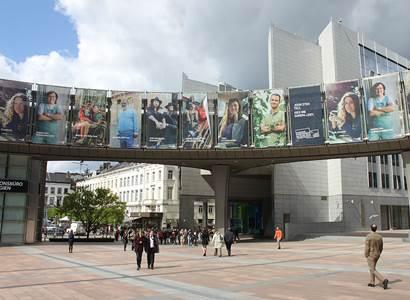 V Bruselu odvolily stovky Čechů, většinou chtějí změnu poměrů