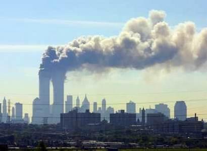 Biden, Obama, Clinton... Tři prezidenti a tisíce lidí na místech teroru z 11. září 2001