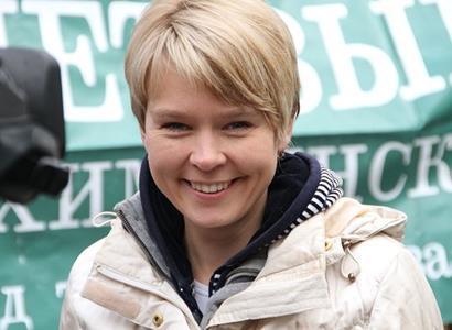 Putin jí ruinuje zemi, zato s Gretou si rozumí. Ruská ekoaktivistka, kterou vyznamenal Biden