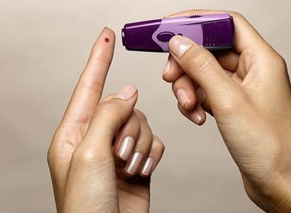 Světový den diabetu hovoří jasnou řečí čísel: Pacientům scukrovkou hrozí 3x častěji infarkt a 4x častěji mozková mrtvice
