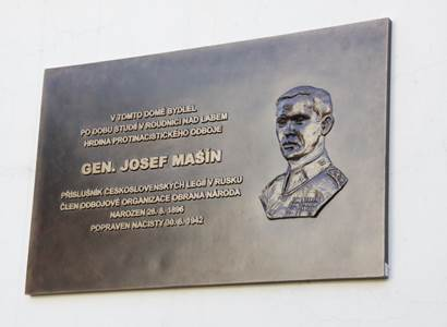 Sporné výročí. Před sedmdesáti lety bratři Mašínové přepadli stanici a zavraždili policistu