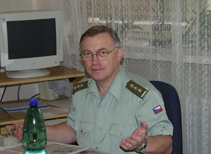 """Skutečné zájmy za kauzou ricin? Velká hra. Rusko musí být """"zlé"""", aby... Zkušený armádní činitel to rozkrývá, celé a napřímo"""