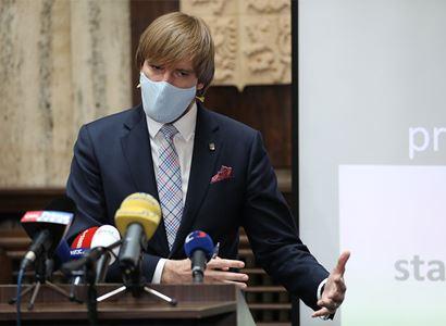 """Sledujte barvy. Ministr Vojtěch představil národní """"covid-19"""" semafor"""