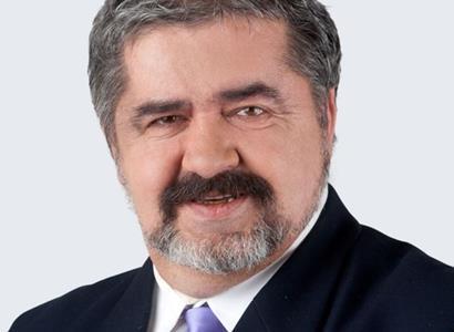 Senátor Canov odmítá žalobu kolegů na Zemana:  Prezident není loutka. Nemám dojem, že by chtěl rozdělovat, jenom  jasně říká své názory