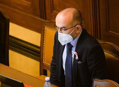 Pandemický zákon prošel Sněmovnou. Toto vše bude moct Blatný nařídit
