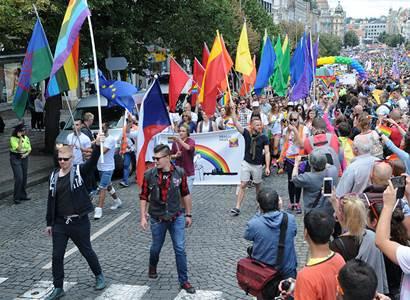 Pražský zastupitel: Homosexuálové, nový život vznikne ze svazku muže a ženy. Manželství stejnopohlavních? Ať se to jmenuje jinak