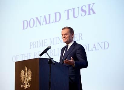 Jan Urbach: Tusk podle průzkumu v čele nárůstu nedůvěryhodnosti