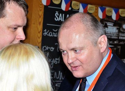 Michal Hašek burcuje voliče pro ČSSD. Popsal vše, co na ně sešlou PirStan a SPOLU. Hrozba Kalouskem