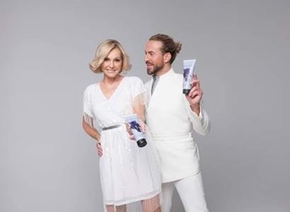 Helena Vondráčková natočila reklamu s kadeřníkem Tomášem Arsovem! Stala se tváří jeho vlasové kosmetiky
