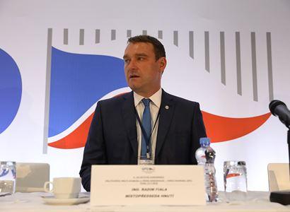 Zemědělskou nebo energetickou politiku by měla dělat naše vláda, a nikoliv elity EU! Místopředseda SPD o věcech, které málokdy uslyšíte