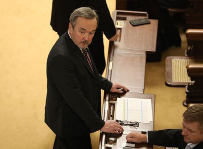 """""""Senátní diplomacie"""" očima poslance Kobzy. Nepěkná slova. Fischer a pokus o státní převrat?"""
