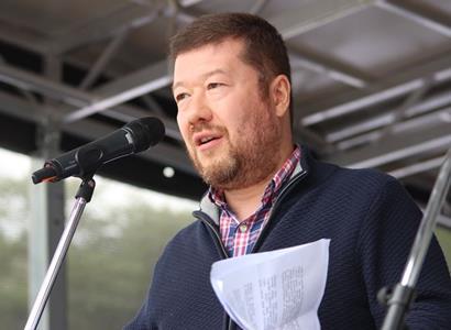 Okamura (SPD): Vláda Andreje Babiše servilně skáče, jak Brusel píská