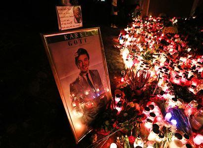 """""""Vezměte syna radši k hrobu Havla."""" Patrik Nacher ve střetu s kritiky Gotta: Na svoji svobodu si nedají sáhnout a druhým budou říkat, kde zapálit svíčku?!"""