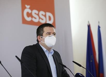 ČSSD představilo desatero priorit svého programu. Dluhy za covid mají zaplatit bohatí