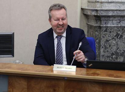 Ministr Brabec: Na sázení stromů MŽP přidává dalších 350 milionů korun