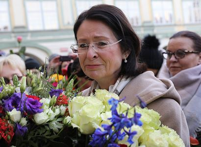 """Květinové poděkování""""demokratce"""" M. Němcové"""
