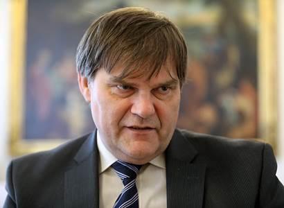 Hradní diplomat Jindrák vzpomíná na Merkelovou: Byla velmi spravedlivá. A vztahy s ČR jí skutečně ležely na srdci