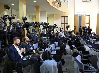 Novinář dostal od úřadu 85 320 korun. Utrpěl prý újmu při dlouhém čekání na odpovědi