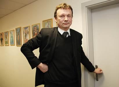 Vrcholový exmanažer z ČRo se neudržel: V době, kdy miliony lidí přicházejí o příjmy, by ředitel ČT z kapes koncesionářů rád vytáhl další peníze!