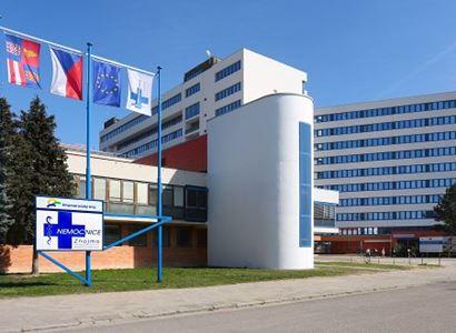 Nemocnice Znojmo pořídila dvě unikátní zařízení pro dezinfekci nejen prostor, ale také sanitek