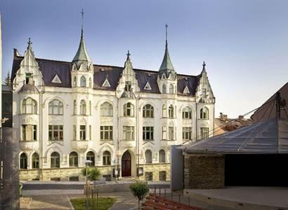 Muzeum skla a bižuterie zve na podzimní bižuterní kurz