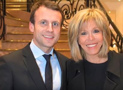 Francouzi už mají dost covidových omezení. Každou sobotu demonstruje přes 100 tisíc lidí