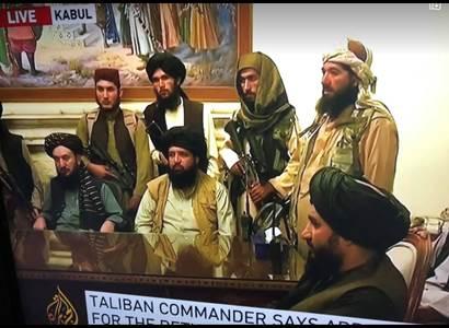 Tálibové zvou Merkelovou na oficiální návštěvu. Chtějí investice a přátelské vztahy s Německem
