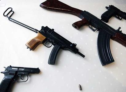 Lidé v USA vykupují zbraně a střelivo. I babičky