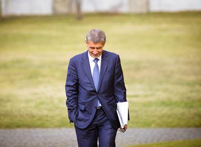 Za zády Fialy, Pekarové i Bartoše probíhají jednání o budoucím premiérovi. Velké kulové. Padlo jméno, o němž se dosud nemluvilo