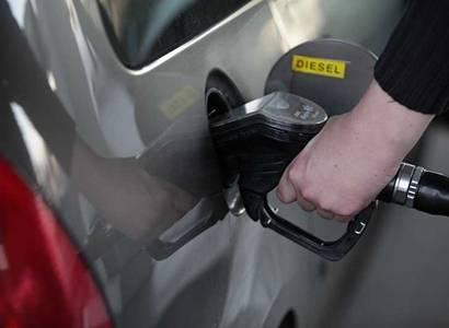 Petice: Spalovací motory v našich autech chceme