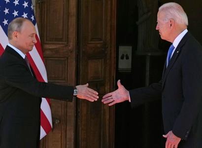 Biden a Putin. Ještě nic neřekli. Ale v Česku je jasno, kdo vyhrál