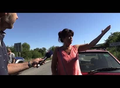VIDEO ze slovenské hranice: Oni postavili zátarasy. Já tam mám rodinu. Atmosféra zhoustla...