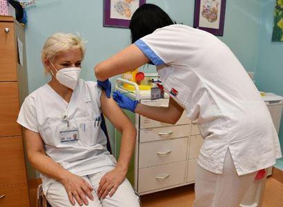 Vakcína z Hlaváku: Pozor. Škodlivost. Jak může ublížit?