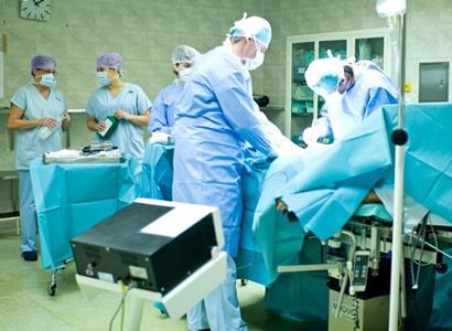 Topka na zdravotnictví, odbory do pozoru. O žádné privatizaci se v programu nepíše, uklidňuje expert Pirátů