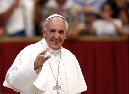 Babiš: Kdo chce vidět papeže, musí se očkovat. Ještě to stihnete