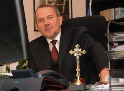 Vicekancléř prezidenta Petr Hájek ve své pracovně