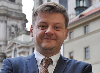 Holomčík (Piráti): Využijeme potenciál českého dřeva a pomůžeme krachujícím pilám
