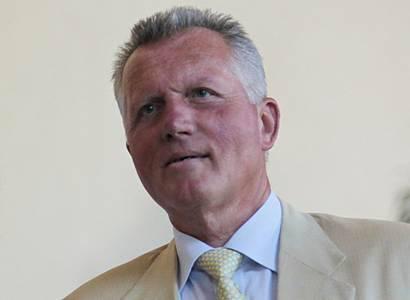 Doktor Macek v úžasu: Ruské stíhačky ohrožují nizozemskou fregatu u Krymu