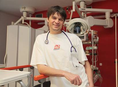 Doktor Pollert už pozoruje následky covidu: Strach a panika. Lidé se bojí jít k lékaři. Zatím jsme zažili jen předehru