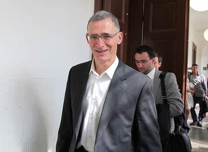 Randák: Zeman sledován BIS? Kdo mu to donesl, patří do kriminálu
