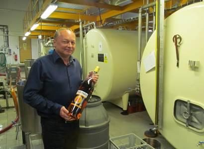 Výrobce alkoholu a teď i dezinfekce: Kdyby před dvěma měsíci vláda řekla, že zavře hospody, tak ji všichni peskují. A teď je každý chytrý!