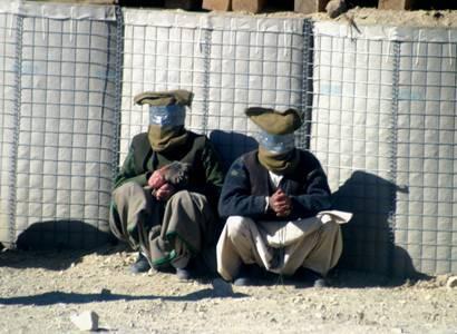 NECENZUROVANÉ VIDEO Popraven střelou do hlavy. Tálibánci znovu účtují