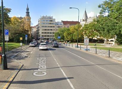 Praha, tři týdny do voleb. Piráti tu zoufale potřebují uspět. Jenže podívejte, co Hřibovi lidé vyvedli