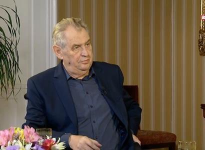 Pokuta Zemanovi, až sto tisíc, znělo z Interview ČT. Kroužková se té částce smála