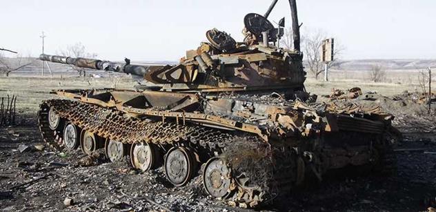 Boje v Doněcku se dál vyhrocují, OBSE znepokojují tanky