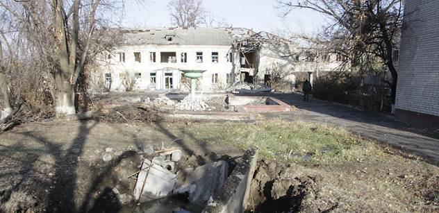 Povstalci prý nepustili kontrolory OBSE do obleženého Debalceve