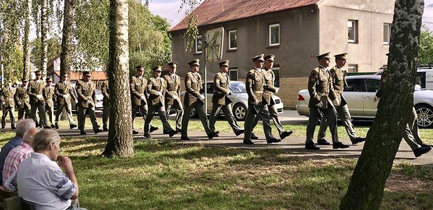 Na vzpomínkové akci na generála Josefa Mašína zazněl silný vzkaz z USA. Vyslal ho jeho syn Josef